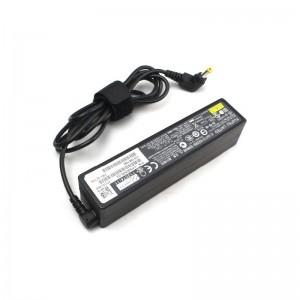 Fujitsu AC Adapter FPCAC157  (65W)